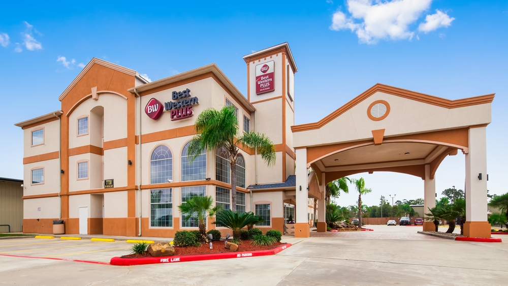 Best western plus houston atascocita inn suites hotel for Best hotel exterior design